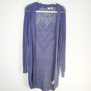 Very cute Navy blue knited Roxy Cardigan. H6H9